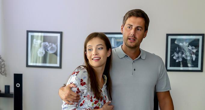 Кадры из сериала Любовь по найму 2 сезон