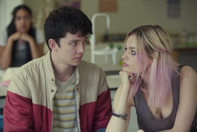 Кадры из сериала Сексуальное воспитание 2 сезон